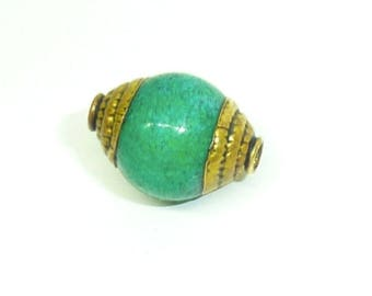PE214 ethnic Nepal Tibetan Green Jade bead