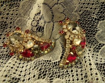 Vintage designer signed Hobe ruby red, smoky and crystal rhinestone clip on earrings