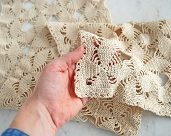 Crocheted Table Runner // Beige Rectangle Doily // Vintage Doilies