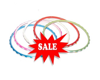 Size Small Bracelet Set / Sale / Set of 5 Bangles Assorted Colors / Blue, Pink, White, Red, Green - Bangles - Q693