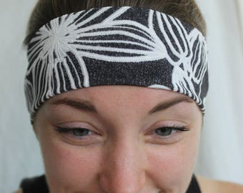 Black and white floral non-slip headband