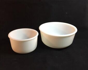 Vintage White Mixing Bowl Set