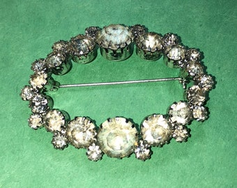 "Vintage Oversize Crystal Rhinestone  Silver tone Pin/Brooch /1 1/2 x 2 1/4"" Oval/Stones range 1-10mm/Free SH to US/Very Nice/<>#BCEB-991"