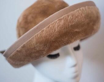 Vintage Cloche Hat || Velvet || 1960's Winter Hat