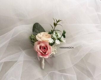 Boutonniere / Buttonhole / Corsage / Wedding Accessories / Groomsmen Boutonniere / Garden Wedding / Rose Boutonniere / Wedding Boutonniere