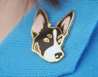 "Border Collie Kelpie Hard Enamel Dog Pin, Metal Badge, Pet Lover Gift, 3 CM / 1.25"" Gold Plating Brooch"