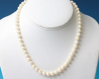 Cultured Pearl Choker Necklace 10K Clasp 16 Inch Bridal Special Occasion Vintage