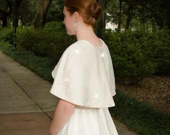 Elfenbein-Spitze-Braut-Cape, Spitze Hochzeit Vertuschung, Elfenbein-Spitze Hochzeit Wrap, prickelnde Elfenbein-Spitze wickeln, Spitze Cape-LYNNE