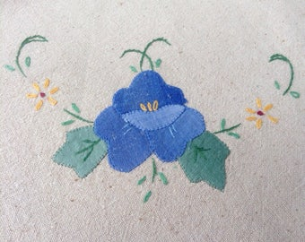 VINTAGE Appliqued PANSIES TABLECLOTH Tea Cloth Hand Stitched Shabby Prairie Cottage Chic