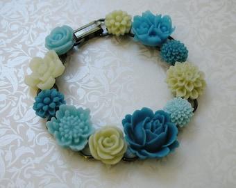 Blue Resin Flower Bracelet