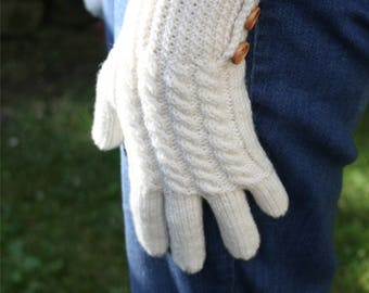 Knitting pattern for cabled gloves - intermediate knitting