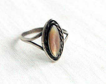 Mother of Pearl Ring Size 6 .75 Vintage Sterling Silver Pink Champagne MOP Southwestern Marquise Boho Jewelry