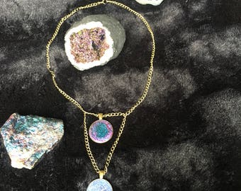 Double resin pendant chain necklace
