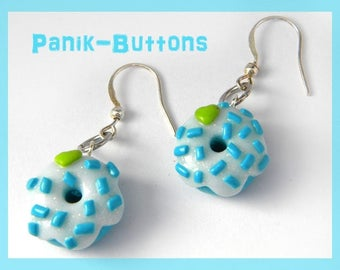 Small turquoise donuts heart earrings