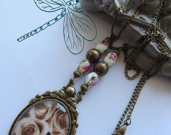 "Necklace, pendant, Metal Bronze Cabochon, Les Roses ""yesteryear, Vintage."