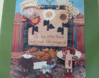 "K Primitve 1997 Folk Art Crafting ""The Little Things in Life"" by Cheryl Haynes  used book 27 pages"
