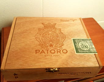 small empty Patoro Corona cigar box with metal hinges and clasp in great condition stash box