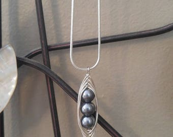 Silver & Grey 3 Peas in a Pod Necklace