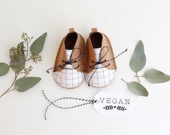 TOFU zapatitos de bebé de estilo moderno, 100% veganos, en tejido de corcho (con base de poliester) y tela de algodón