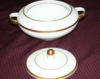 Hutschenreuther Round Covered Vegetable Dish in Empire