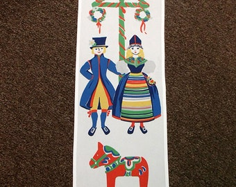 Swedish Wall Hanging - Couple in Costume with Dala Horse & Maypole #DCAL397