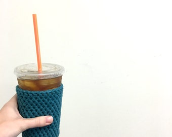 teal iced coffee cozy. crochet cup sleeve. cotton cup cozy. Eco friendly cup cozy. Summer drink jacket. turquoise iced cup cozy.