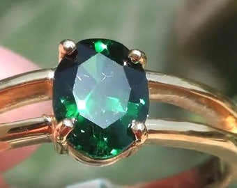 Le grenat tsavorite 1,21 ct 18 ct bague en or massif Oval grenat vert, grenat grossulaire vert, deuxième anniversaire de mariage, naissance de janvier,