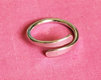 Over Lap snake Ring