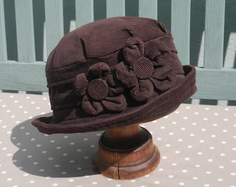Chocolate brown cloche hat, Dark brown corduroy cloche, brown flower hat, brown 1920s cloche, brown daisy hat, gift for her,  chemo hat