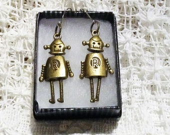 Retro Robot Earrings / Robot Jewelry / 3D Robot Charms / Bronze Robot Earrings / Geek Earrings / Sci-fi Robot Earrings / Girl Robot Jewelry