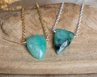 Emerald Necklace, Dagger Necklace, May Birthstone Necklace, Birthday Gifts for Her, Emerald Pendant, Emerald Jewelry, Dainty Necklace