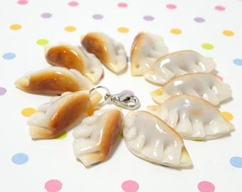 Dumpling Charm, Food Jewelry, Polymer Clay Charm, Miniature Food, 1 pc Dim sum charm, Dumpling Necklace, Food Necklace, Chinese Food Charm,