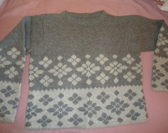 "sweater in 100% alpaca ""handmade"""