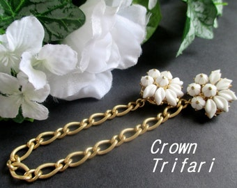 Sweater Guard / Shoe Clips * CROWN TRIFARI * White Flowers * Gift For Lady * Rare