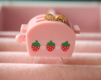 Pink strawberry toaster oven ring