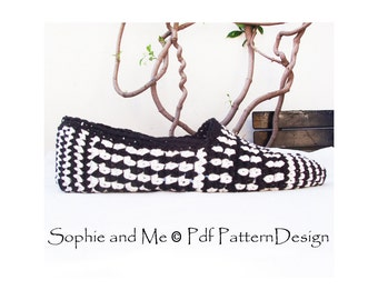 Black and White Graphic Slippers Crochet pattern - Espadrilles - Instant Download