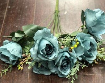 11 Head Dusty Blue Rustic Rose Bunch With Curly  End (WITH BERRIES)