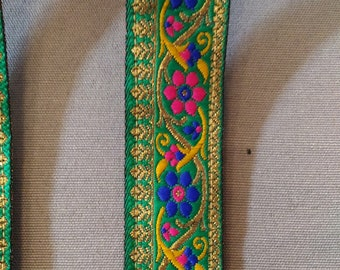 Handle removable green/gilt purse bollywood style