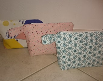 Zip pouch in fabric with flat bottom