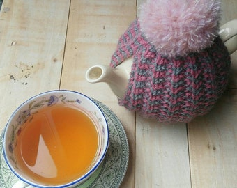 Hand knit tea cosy/ Tea Cozy/ Small tea cosy/ pompom tea cosy