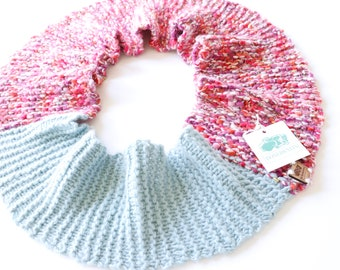 Womens Scarf Chunky Knit - Chunky Knit Pink Scarves for Women - Womens Scarves - BoxerKnits Spiffy Bliss Warm Infinity Scarf
