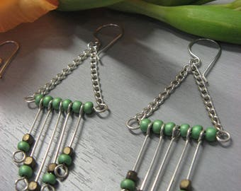 Fancy green and bronze swing earrings silver plated