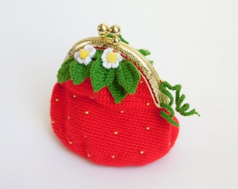 Coin purse crochet Strawberry coin purse Red purse Crochet kisslock Crochet purse with metal frame Handmade money pouch mini Jewelry Case