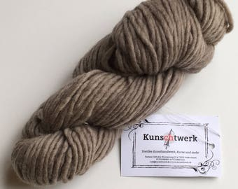 Beige-100% virgin wool, hand dyed with plant colors