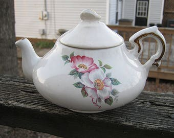 House of Webster Ceramic Tea Pot, Pink And White Dogwood Flowers, White Ceramic Tea Pot, Gold Trim, Kitchenware, Tea Server