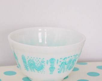 Pyrex Turquoise Butterprint 401 Bowl, Pristine Condition (AKA Amish Print)