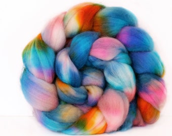 Opalescent 4 oz Merino softest 19.5 micron Roving Top for spinning