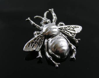 Bee Brooch, Cute Pin, Bug Brooch, Gift Idea, Handmade Brooch, Lapel Pin, Pin Badge, Bee Pin, Bee Jewelry, Bug Jewelry, P308s