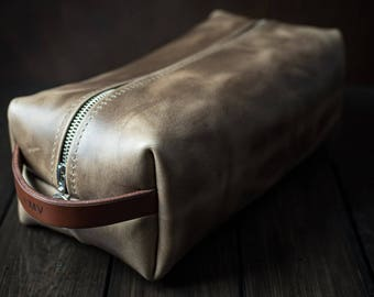 Dopp kit, Leather Shaving Kit, Mens Toiletry Bag, Leather Toiletry Bag, Groomsmen Gifts, Travel case, Shave Bag - Driftwood