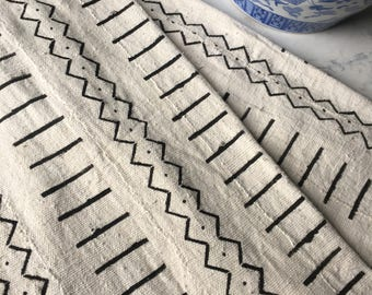 Vintage African Mud Cloth - Amazing Textile - Black and White Pattern - Beautiful Fabric - Throw - Wall Hanging